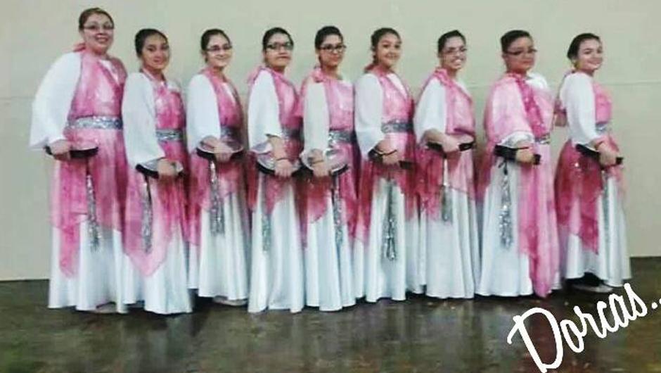 De Danza Cristiana Se Honra En Presentarles Trajes De Danza Y